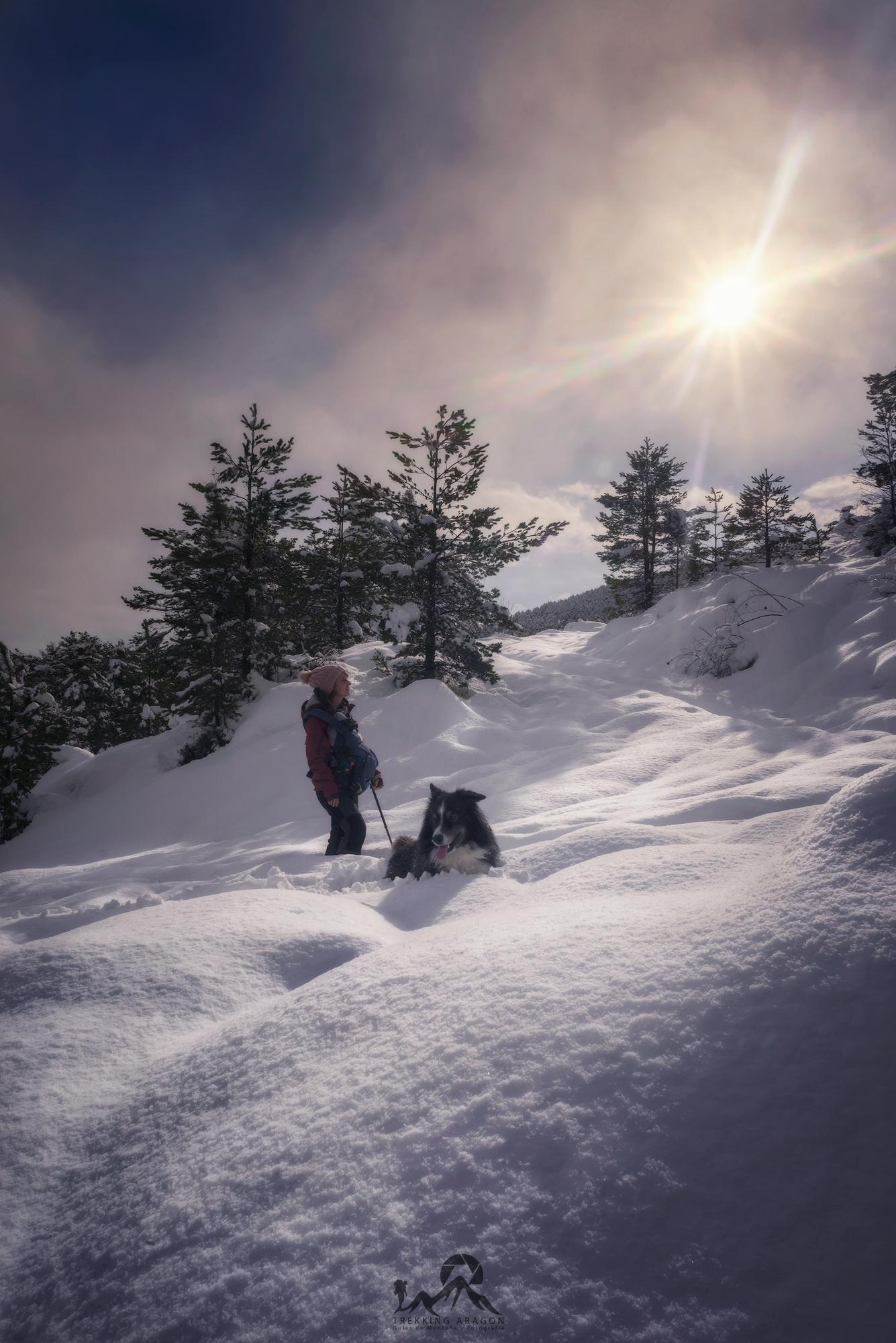 Borau con nieve. Raquetas de nieve Pirineo